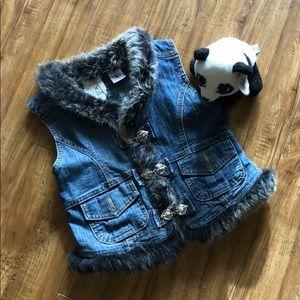 Kiddo USA jean vest with fur around the neck